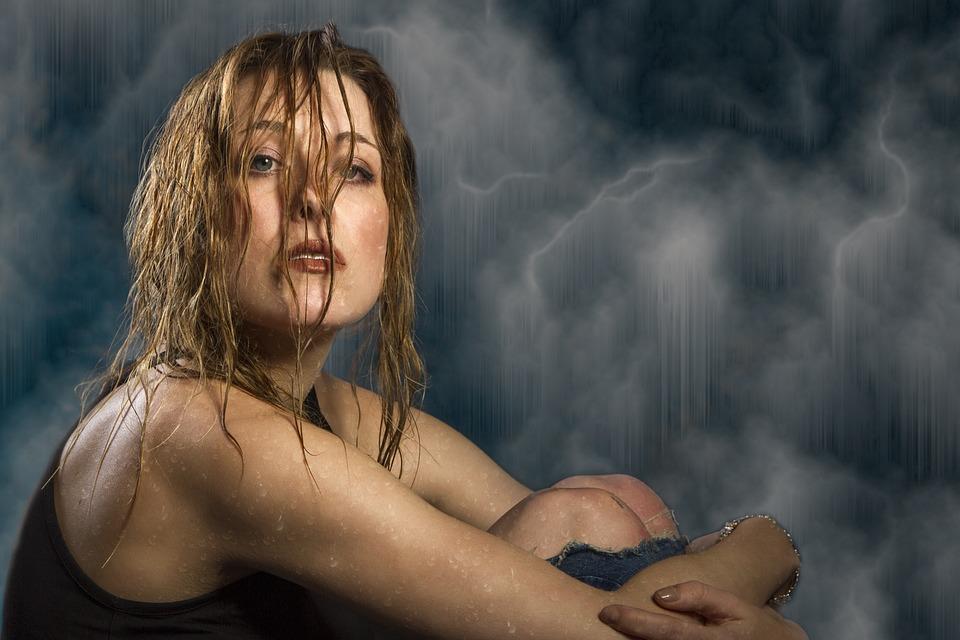 Billeder af våde kvinder