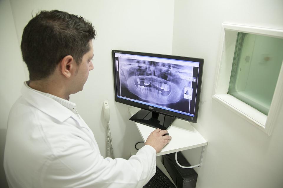 Рентгенолог: требования, какие заболевания лечит, методы диагностики, причины обращения