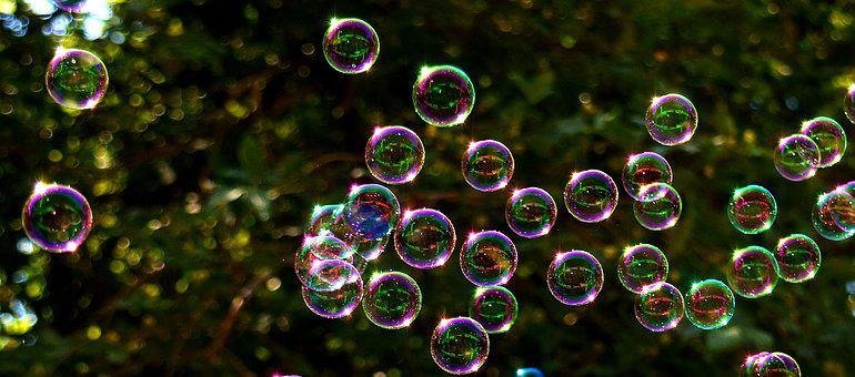 Soap Bubbles, Multicoloured, Flying
