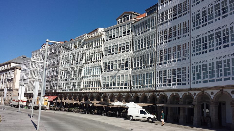 Galicja, La Coruña, Avenida Montoto, Bowwindow