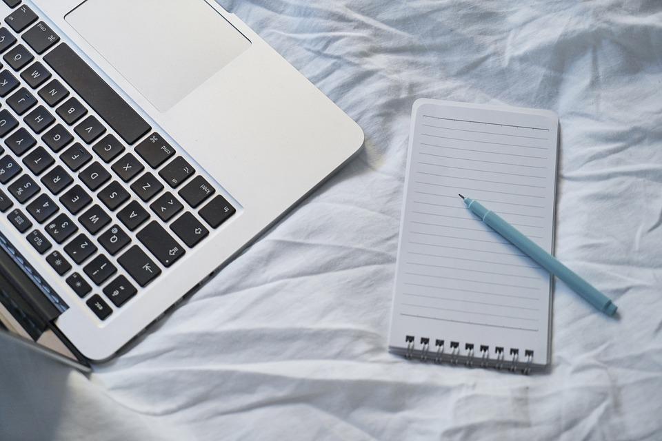 Szövegírás tippek: hogyan találj jó szövegírót?