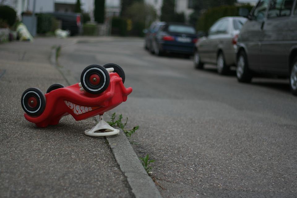 ボビー車, Unfall, Gefahr, Spielzeug, 事故, おもちゃ, 車, 危険, スマッシュ