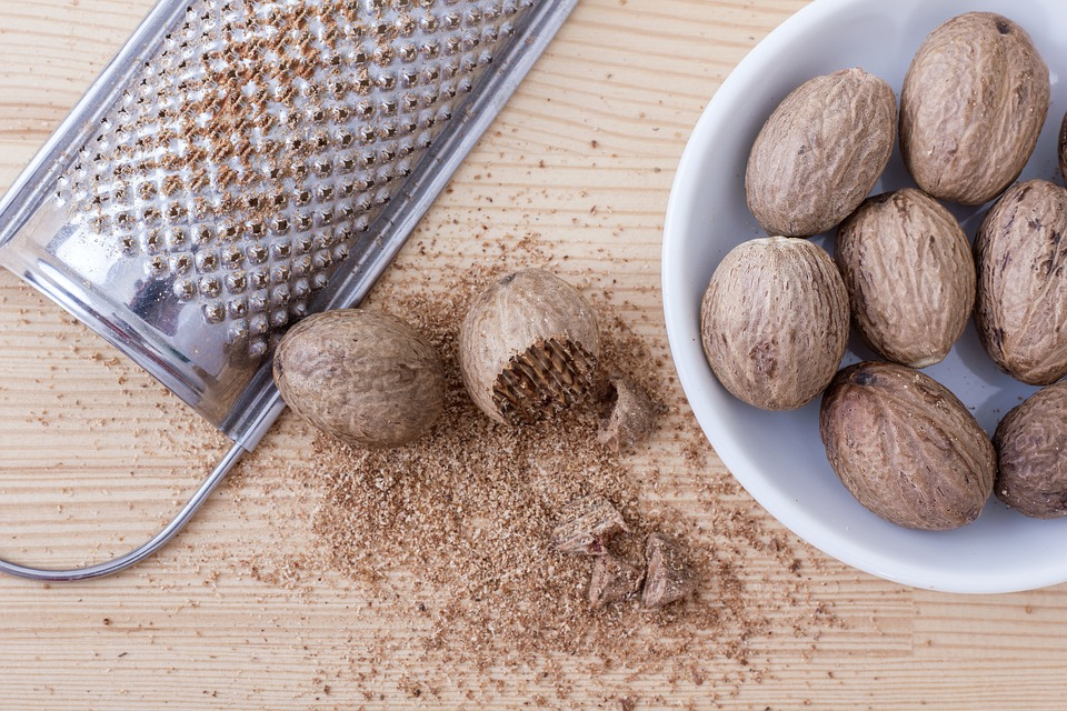 Nutmeg, Grater, Fresh, Spice, Nut, Season, Shell
