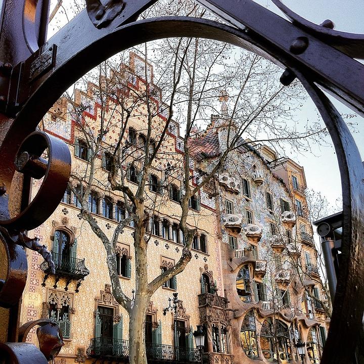 Stijl Van Gaudi.Gaudi Architectuur Moderne Gratis Foto Op Pixabay
