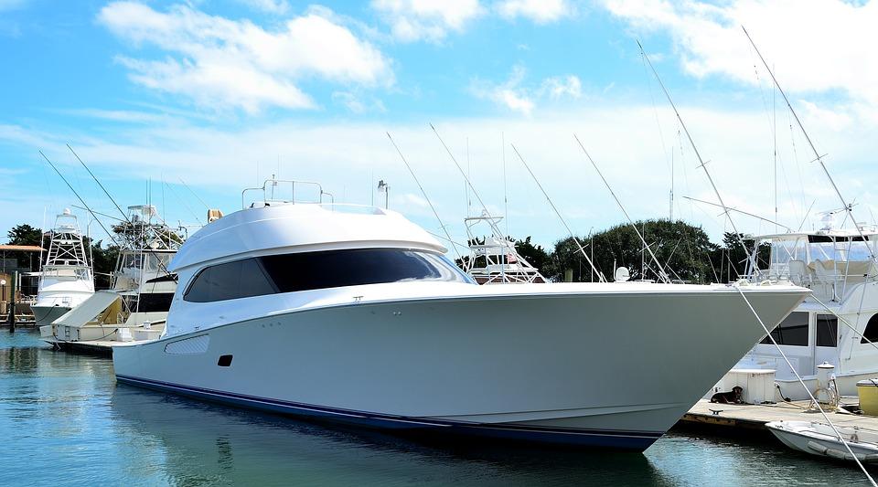 Luxury Yacht Boat High Speed Sea Water