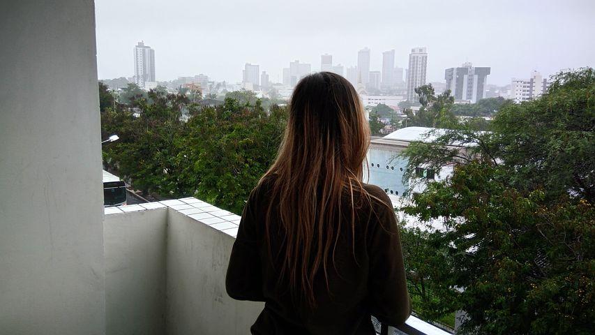 Ютуб девушка на балконе — pic 7