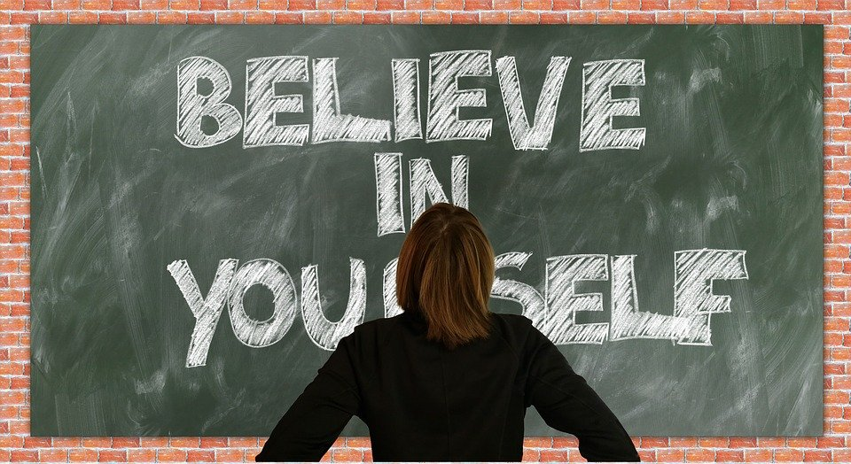 ボード, 学校, 自信, 考えています, 自尊心, 信頼, 人格, スレート, 教育, チョーク, 学ぶ
