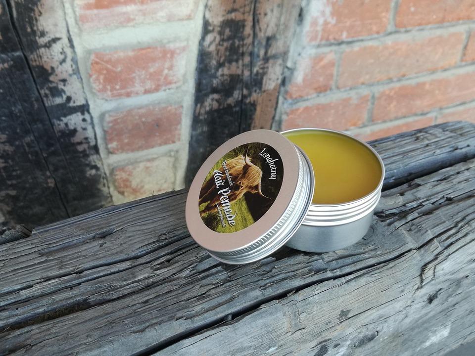 Pilih produk perawatan rambut yang tidak memicu minyak untuk mencegah jerawat. (Foto: Pixabay)
