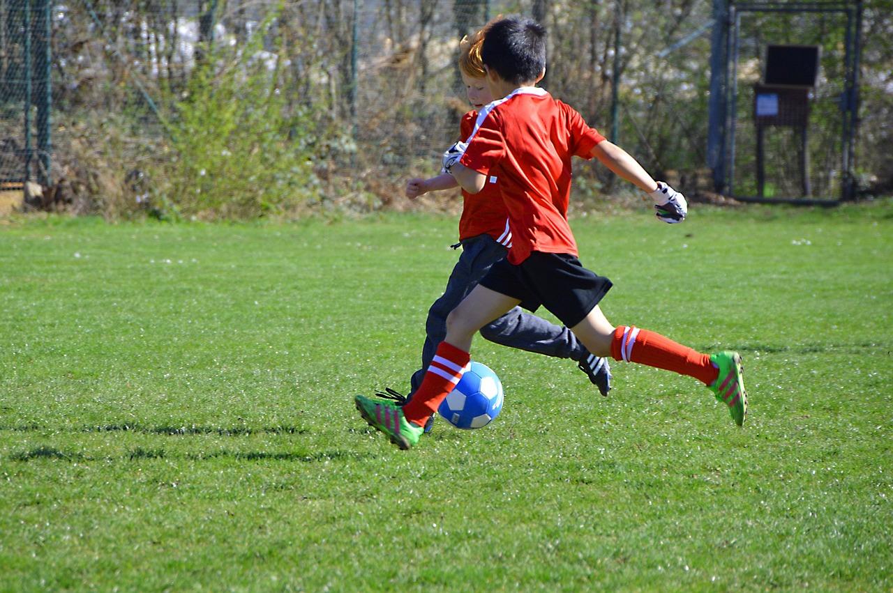 Jak prowadzić trening piłki nożnej dla dzieci