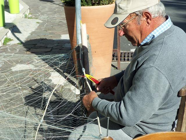 Как ремонтировать рыболовные сети
