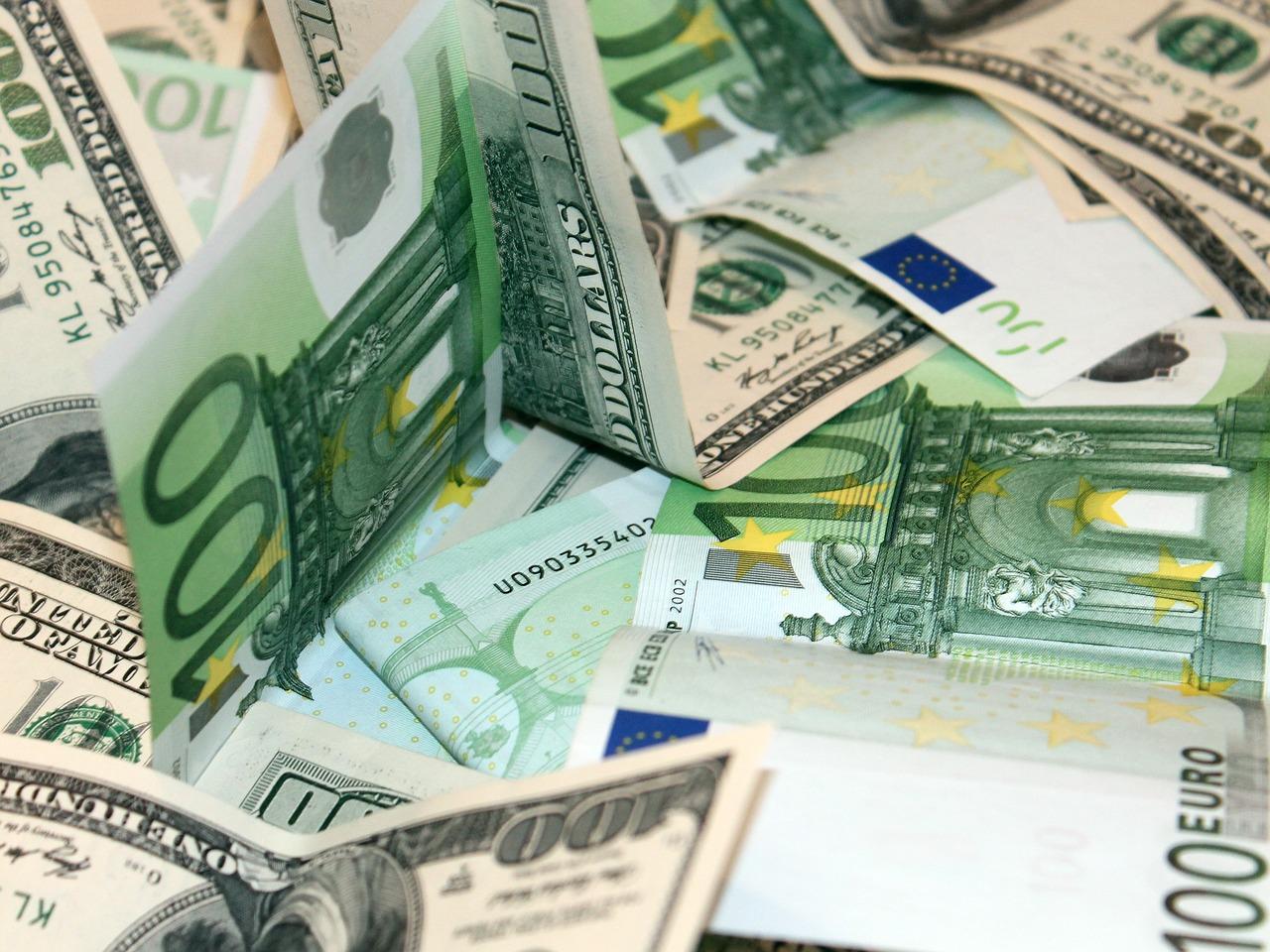 Деньги евро и доллары картинки