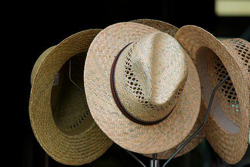 0cab0af7 Strohüte, Hats, Hatstand, Parcel Shelf