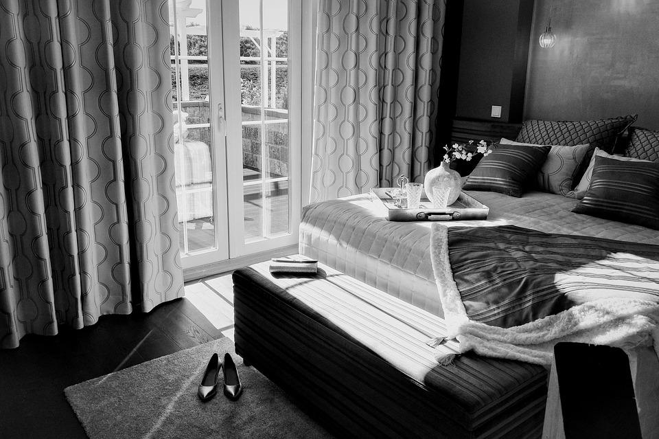 Легло, Стая, Спалня, Черен И Бял, Двойни Врати, Балкон