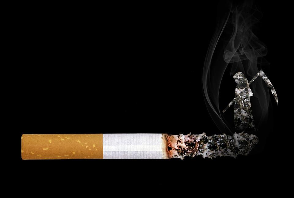 Курение, рак и низкие доходы связаны