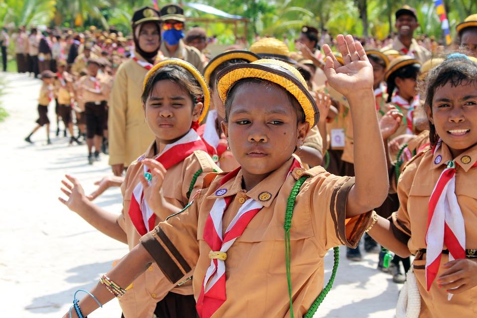 Man, Prmauka, Kids, Elementary School Children, A Scout