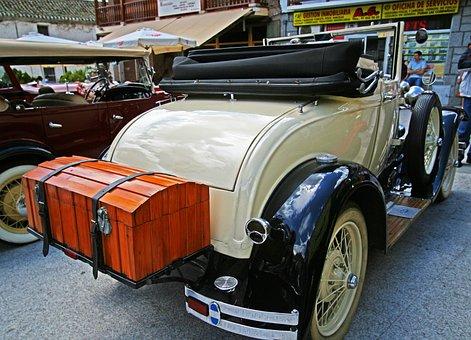 antique car vintage trunk