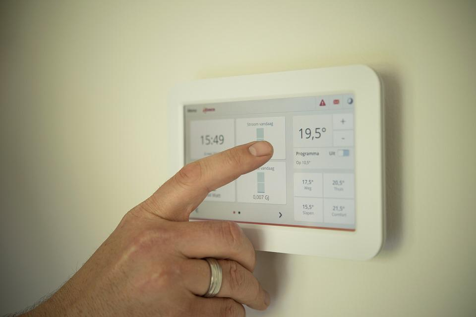 Tablet, Heating, Man, Pointing, Manual, Technology