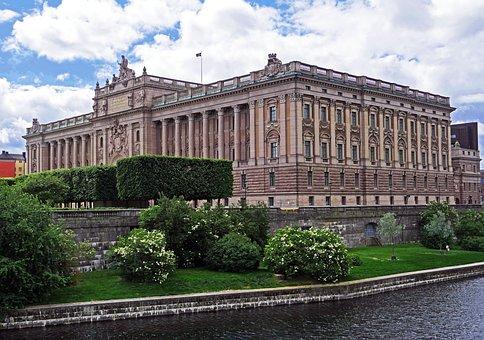 Fachada del Palacio del Parlamento de Suecia Estocolmo