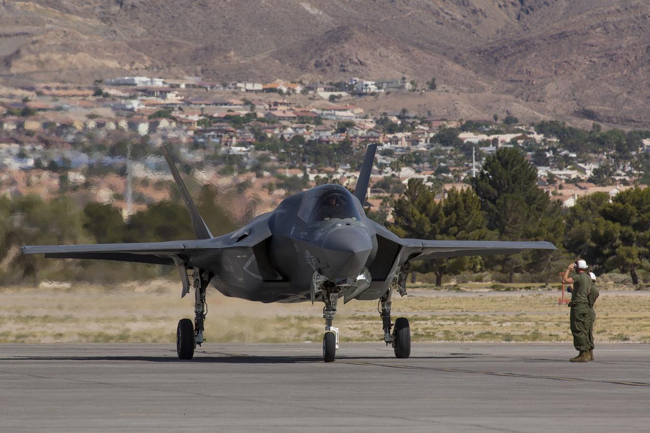 Военный врач раскрыл причину плохого самочувствия пилотов F-35