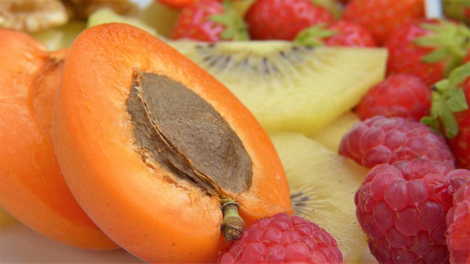 アプリコット, 半分にカットします, 核, オレンジ, フルーツ, 食品, 甘い, パルプ, スライスした