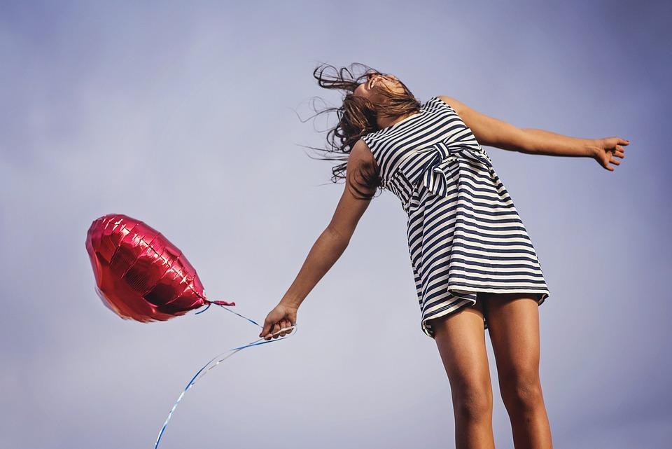 喜び, 自由, リリース, 幸せ, 幸福, 女の子, 夏, 楽しい, ライフスタイル, うれしそうな, 女性