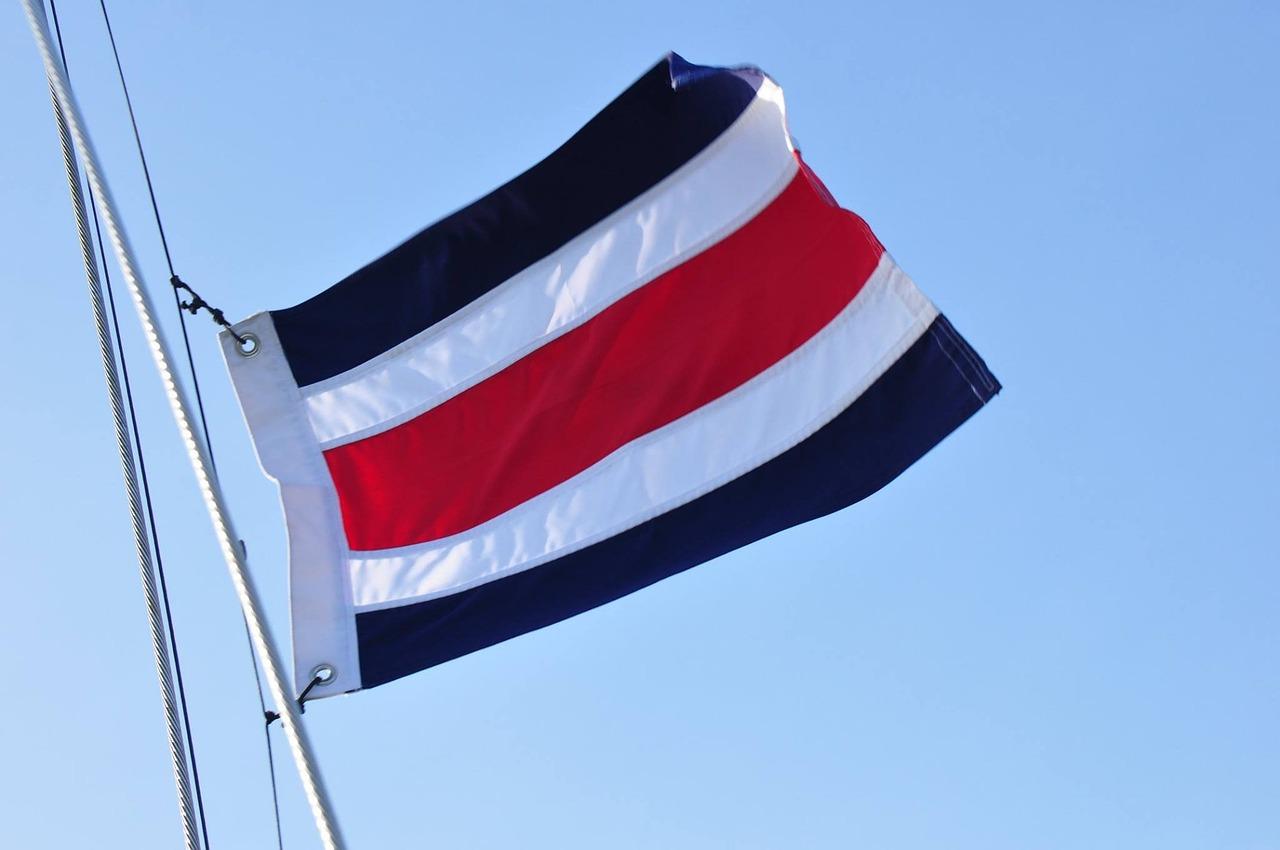 поделитесь фото крепления флагов народная