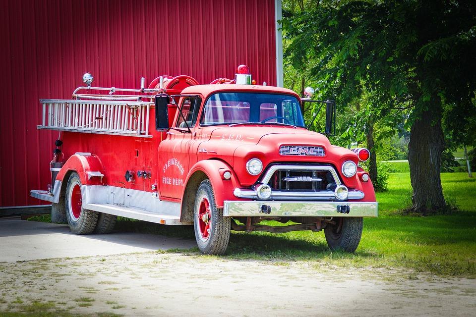 conseils de sécurité incendie: pompier en cas d'incendie de logement