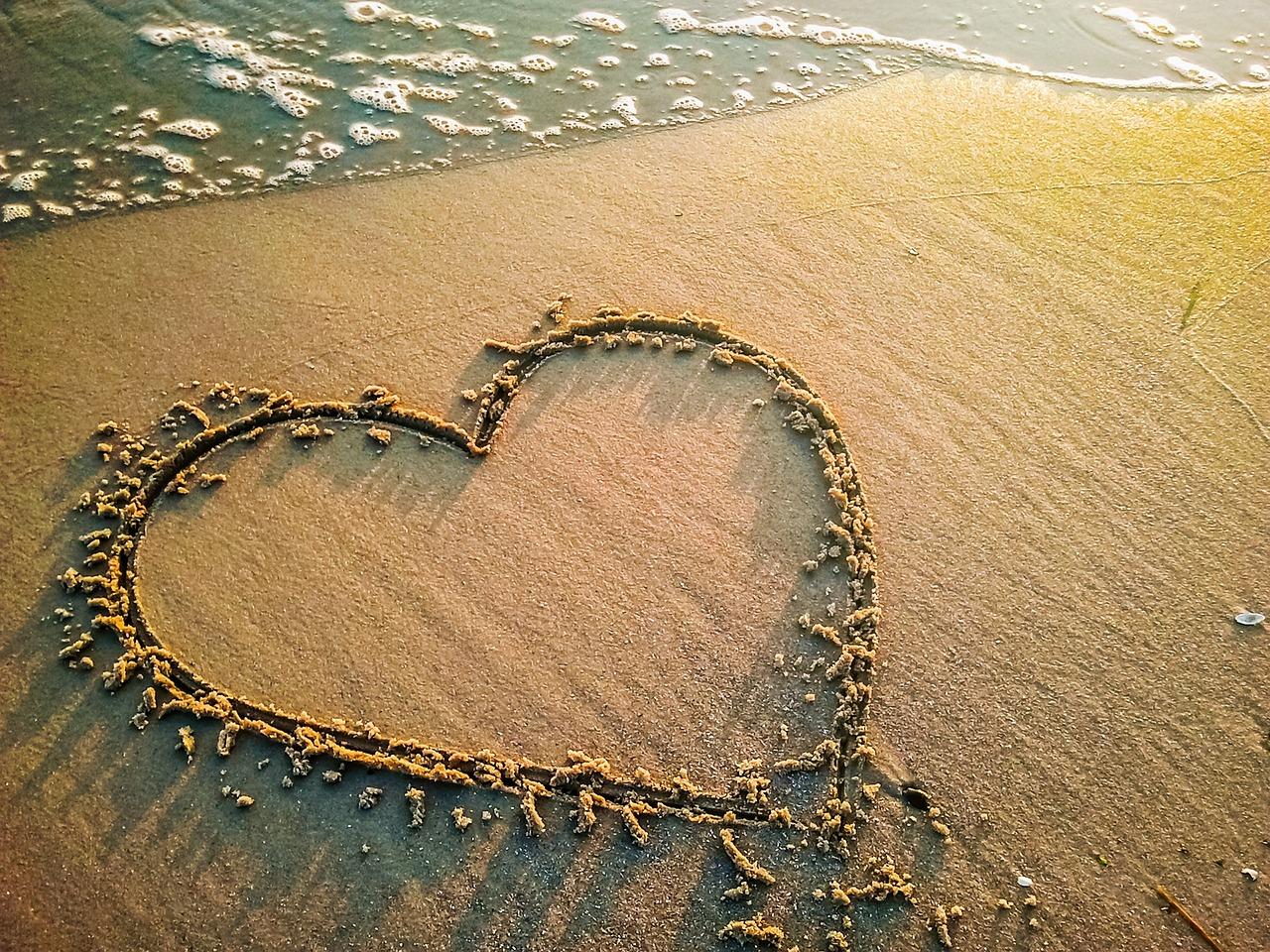 Картинках, картинки сердца на песке