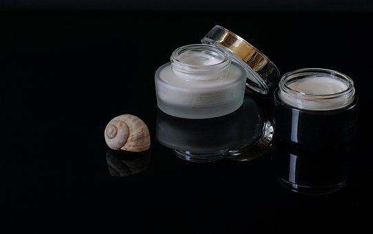 Cosméticos, La Crema Para El Rostro