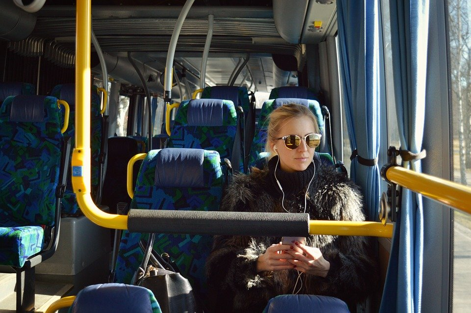 Автобус, Момиче, Слушалки, Слушане, Транспорт, Млад