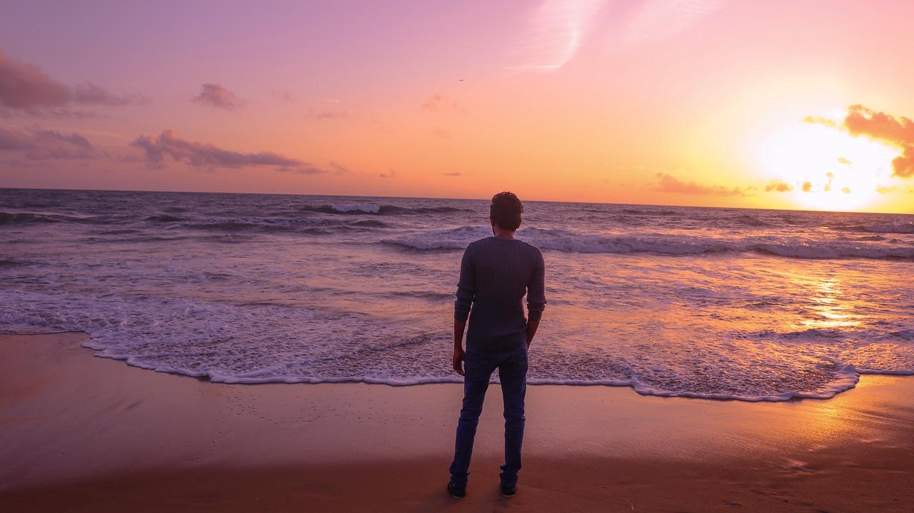 Фото пляж и закат парень