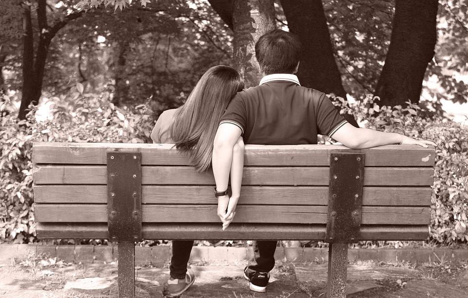 恋人, ベンチ, 木製ベンチ, 公園, 地役権, の椅子, 人, 休憩, 愛