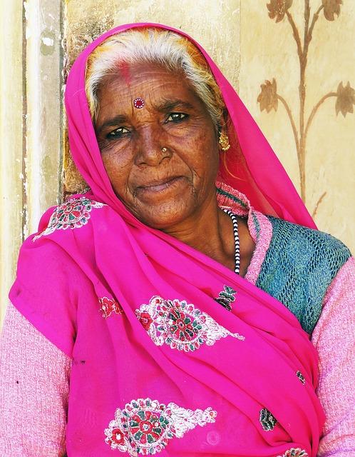 лнр третий фото пожилых индусок танцовщица