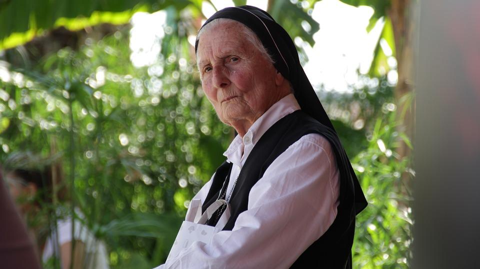 idős asszony keresés pl bemutatása társkereső