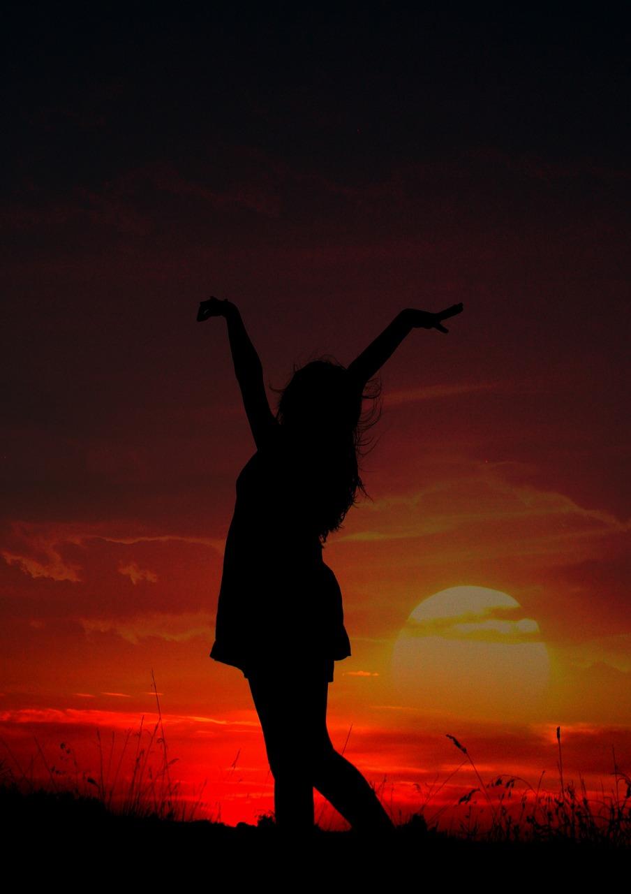 Фото девушка в тени
