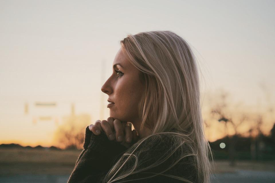 По каким причинам муж не обращает внимания на жену и что делать в такой ситуации