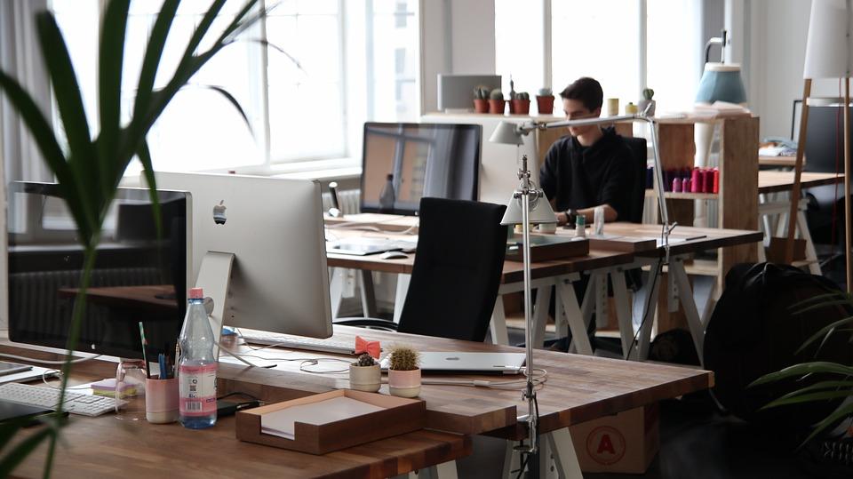 人, 男, オフィス, 仕事, コンピュータ, デスク, テーブル, インテリア