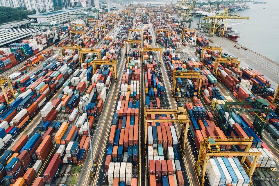 cargamento de exportaciones en el puerto facilidades por acuerdos comerciales