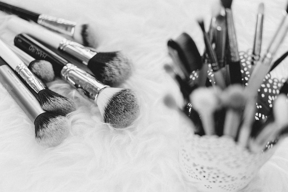 Makeup brush things kit beauty cosmetics blur