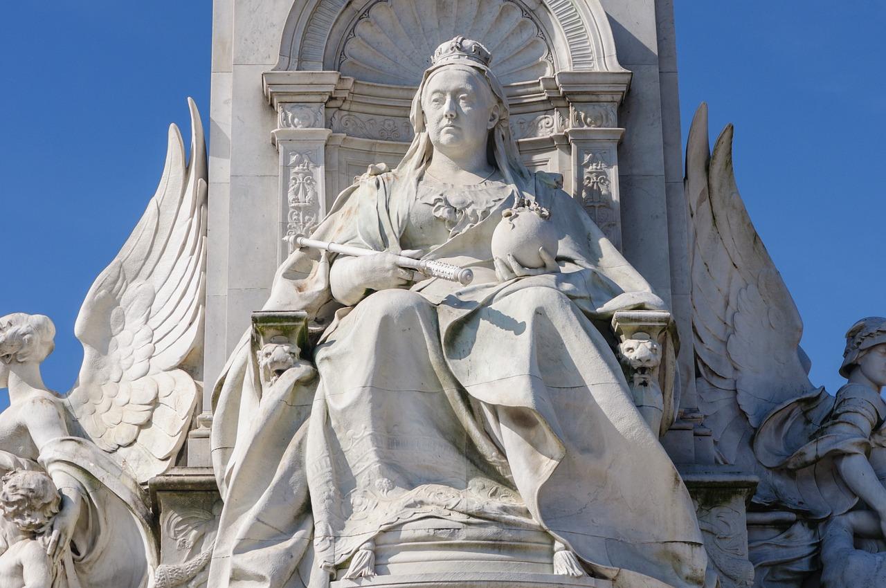 породистую чихуахуа, статуя виктории картинка такой