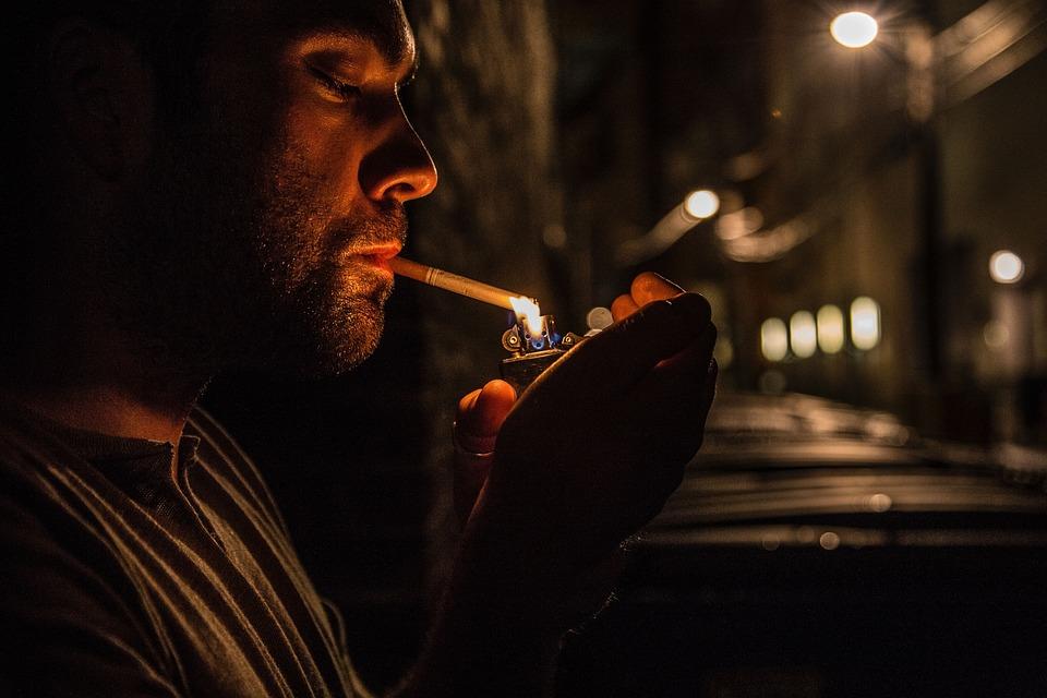 Люди, Человек, Гай, Сигарета, Курение, Зажигалка, Огни