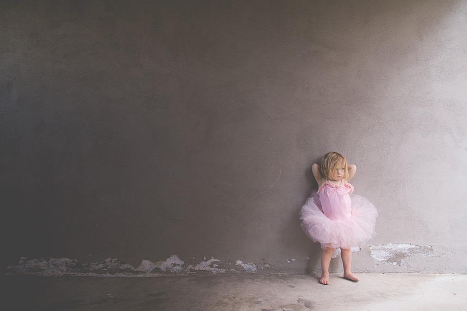 人, 子供, 幼児, バレエ, バレリーナ, ピンク, チュチュ, 壁紙女の子, グレーの壁紙