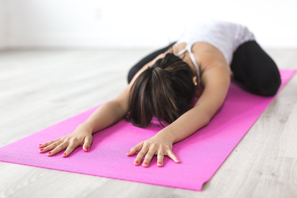 女性, ヨガ, ストレッチ, 瞑想, フィットネス, ワークアウト, いい結果