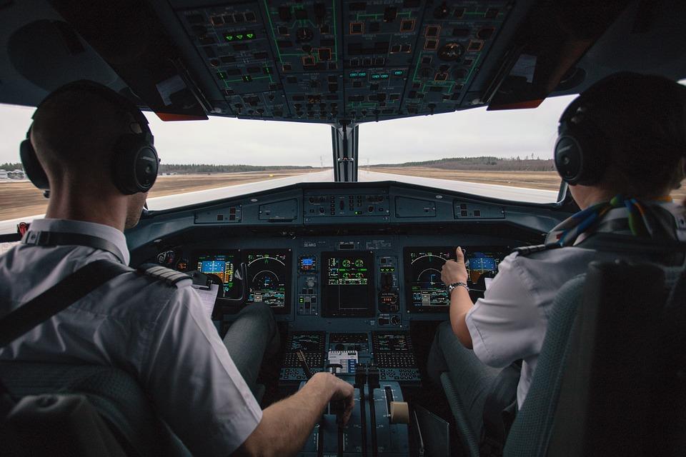 [Pilot Kaise Bane Puri Jankari] How To Become Pilot In Hindi