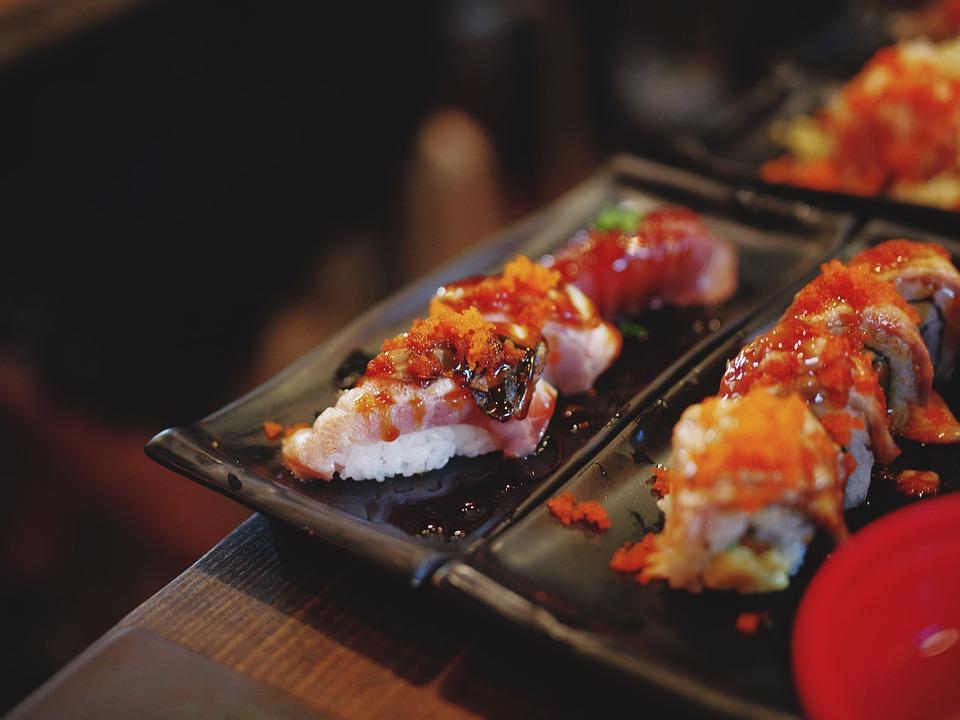 寿司, 食品, エビ, 米, プレート, 日本, レストラン, 食べる, 昼食, 夕食