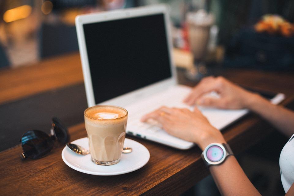 Работа в интернете для студентов на дому без вложений 5 лучших способов заработка