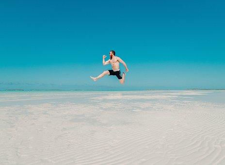 人, 男, 旅行, アドベンチャー, 幸せ, ジャンプ, 海, ビーチ, 青