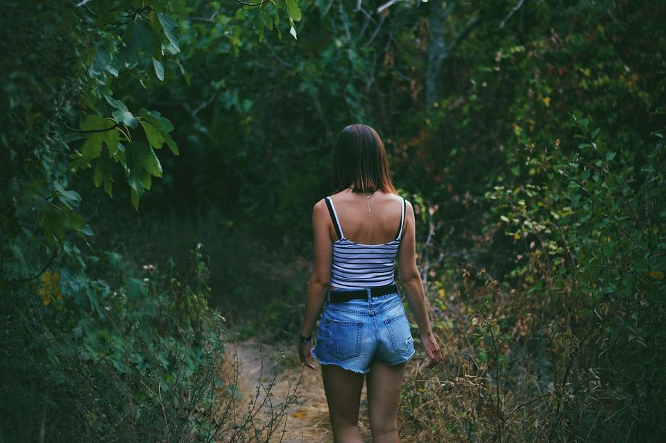 人, 女性, 歩き回る, 旅行, アドベンチャー, ファッション, 服, セクシーです, 自然, 林, 森林