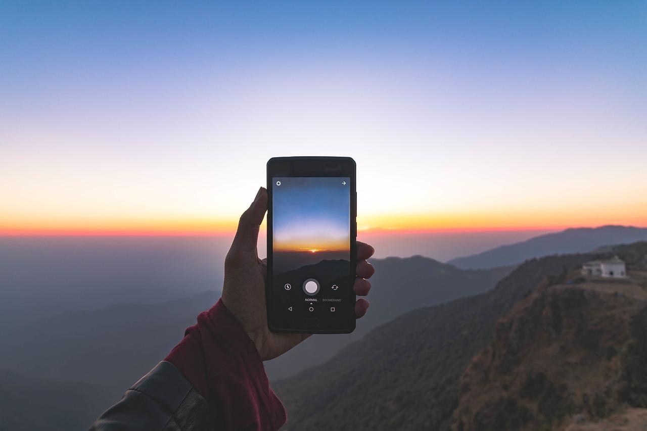 На смартфоне картинка размазанная всего