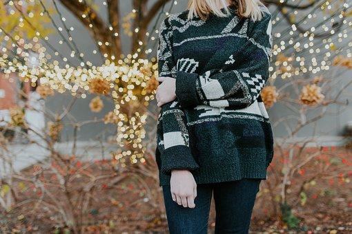 人, 女性, セーター, 冷, クリスマスライト, ライト, ボケ, ツリー